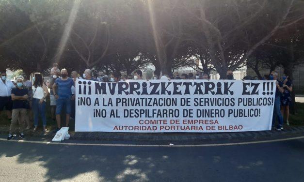 Concentración en la terminal de cruceros de Getxo en protesta por la vulneración de derechos y privatización de servicios públicos